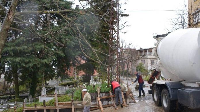 Görele'de Tarihi Mezarlıklar Yenileniyor