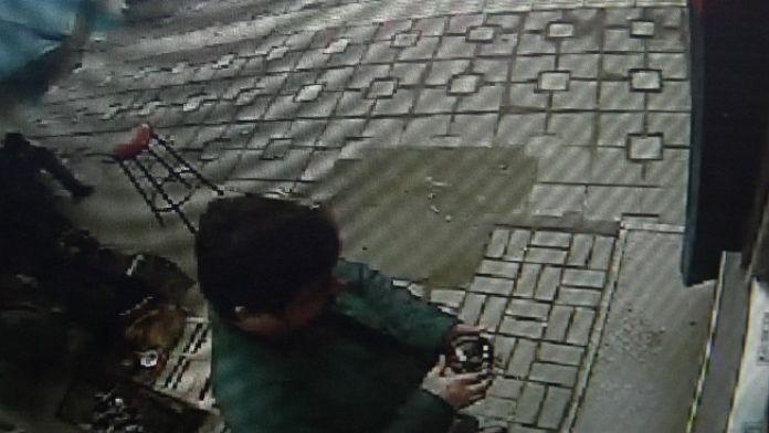 Atm Dolandırıcısı Bir Buçuk Saatte 22 Kişinin Hesabını Boşalttı