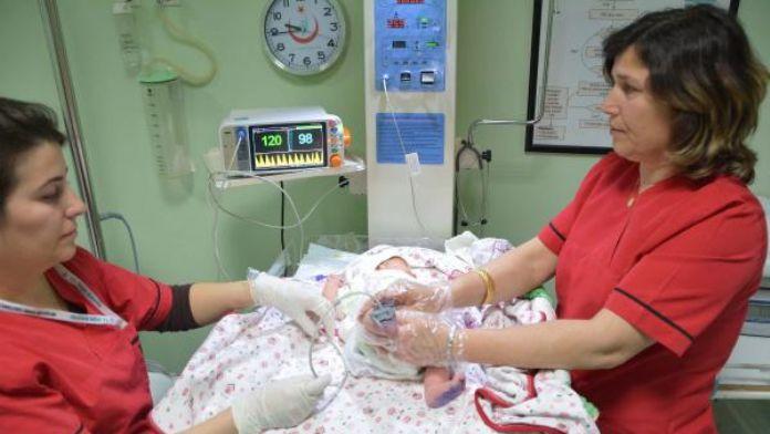 Bebeklere doğumsal kalp hastalıkları taramasına başlandı