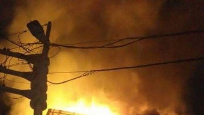 4 Katlı Metruk Evde Korkutan Yangın