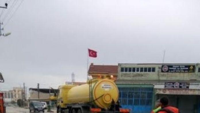Körfez Belediyesi Temizlik Ekipleri Çalışmalarını Sürdürüyor