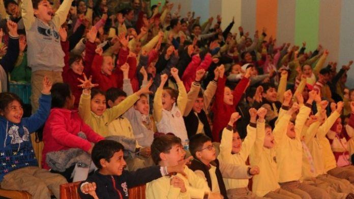 Tiyatrolar Haftasında Çocuklara Özel Program