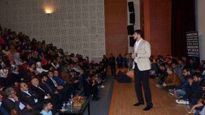 'Gençlik Ve Yaşam' Konulu Konferans Verildi