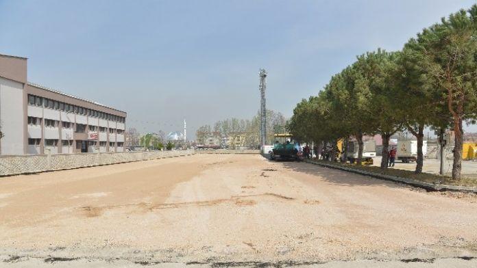 İngöl Pazar Alanı Yeniden Düzenleniyor