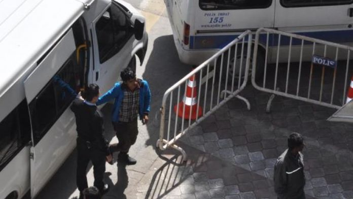 Söke'de 20 mülteci yakalandı