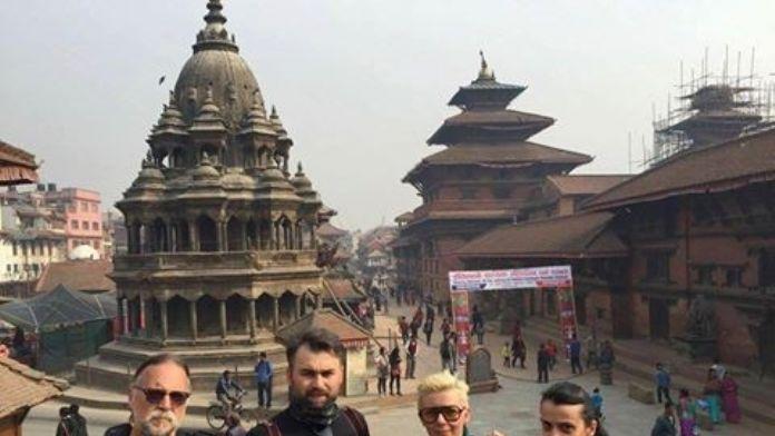 Efod, Nepal'i Fotoğrafladı