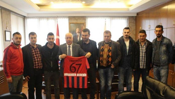 Zonguldakspor Amigoları Başkan Akdemir'i Ziyaret ETİ