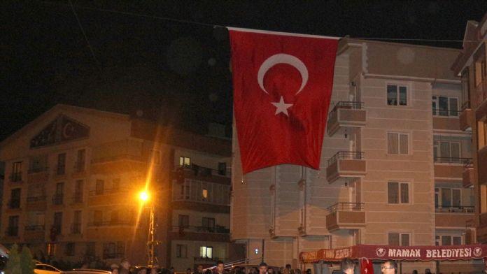 Şehit Özel Harekat polisi Yatarkalkmaz'ın baba evinde yas var