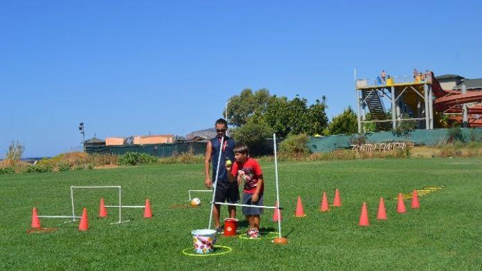 Karşıyaka'da Otizmli Çocuklara Spor Eğitimi
