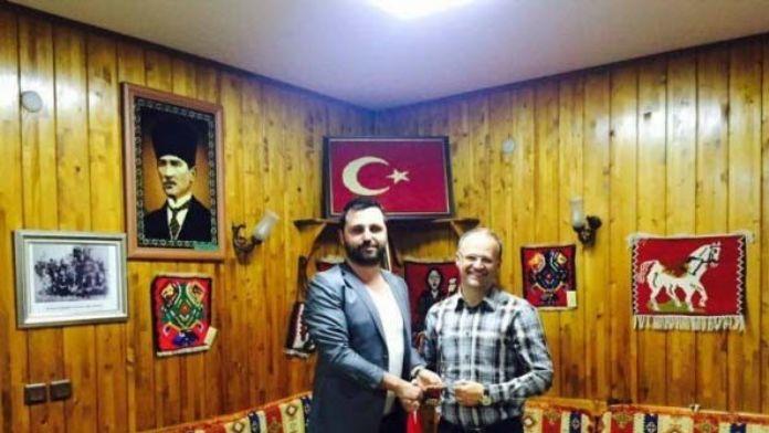 Anadolu Yakası Bosna Sancak Derneği'nden İrfan Buz'a Ödül