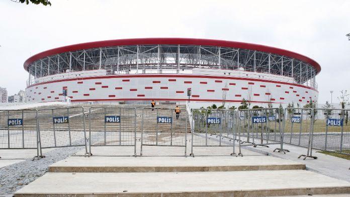 Türkiye-İsveç maçına yüksek güvenlik önlemi
