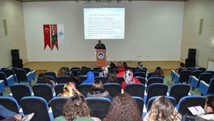 'Yurtdışı Dil Eğitimi Master Ve Doktora Programları' Semineri Verildi