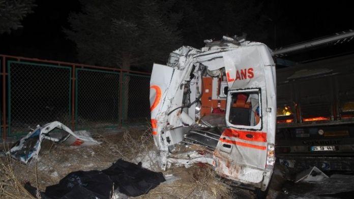 Biri İtfaiye Eri İki Kişinin Öldüğü Feci Kazada Tır Şoförü Tahliye Oldu