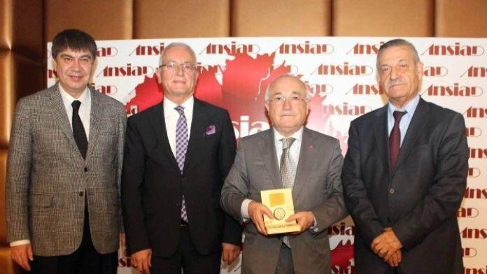 Eski TBMM Başkanı Cemil Çiçek: 'Birlik Ve Beraberliğinizi Siyasetçilere Bırakmayın'