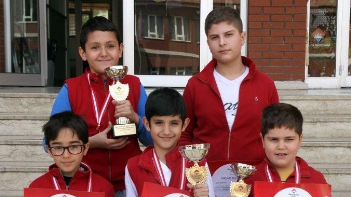 Özel Sanko Okulları 3 Kupa Ve 5 Madalya Kazandı