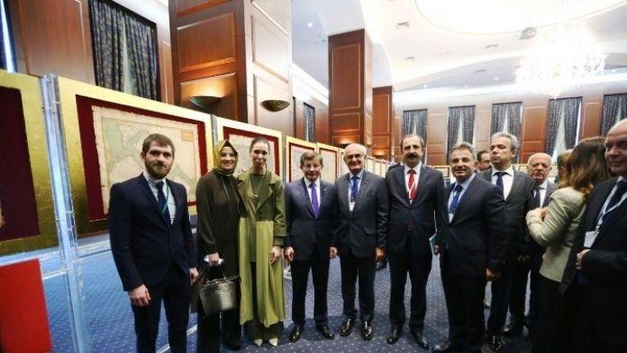 Başkan Yılmaz, Başbakan Davutoğlu İle Sergi Açılışına Katıldı
