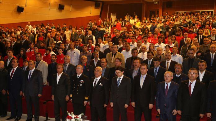Mersin Büyükşehir Belediyesi'nden başarılı sporculara destek