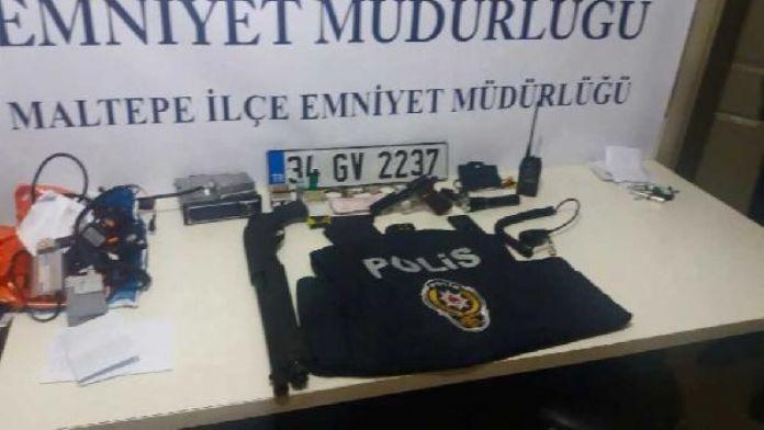 Maltepe'de kendisine polis süsü veren kişi uygulamada yakalandı