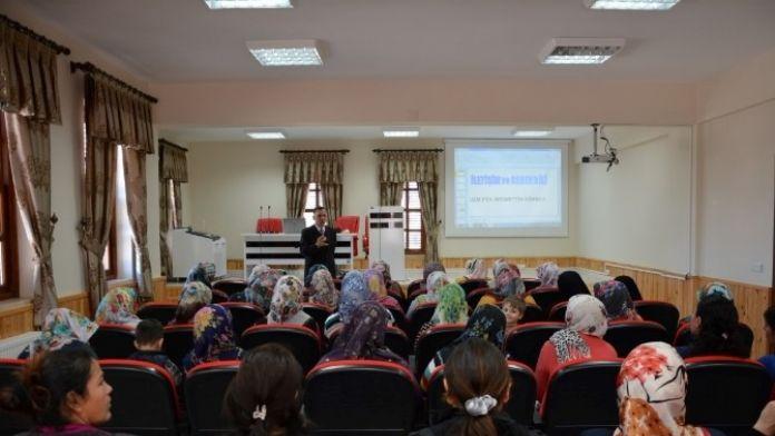 Kadın Danışma Merkezi'nden Çatom'lu Kadınlara Seminer