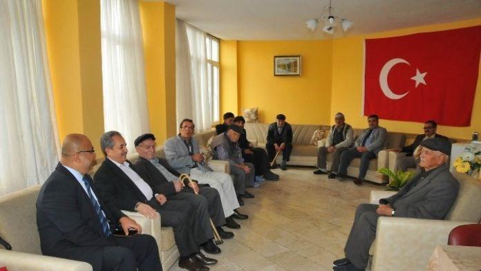 Başkan Akkaya Yaşlıları Ziyaret Etti