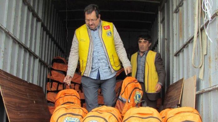 Sığınmacılar İçin Hazırlanan Çantalar Sahil Güvenlik'e Ulaştı