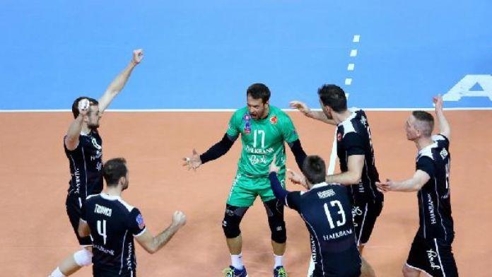 Halkbank, Şampiyonlar Ligi'ne altın sette veda etti