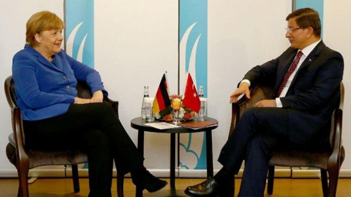 Başbakan Davutoğlu, Alman mevkidaşıyla görüştü