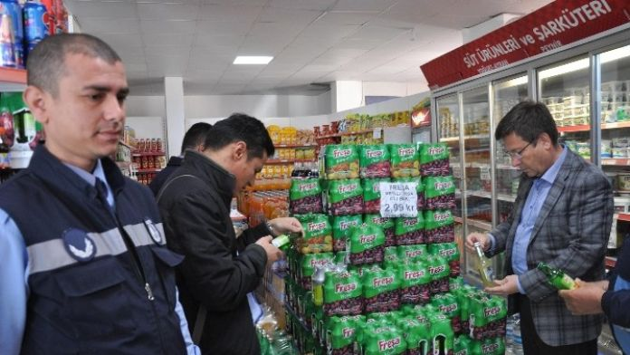 Menderes'te Zabıtadan Ürünlere Sıkı Denetim
