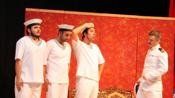 Tiyatro Severler Gkm'de Bir Araya Geldi