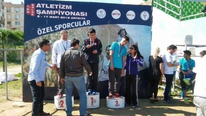 Düzce Kardelen Spor Kulübünden Özel Başarı