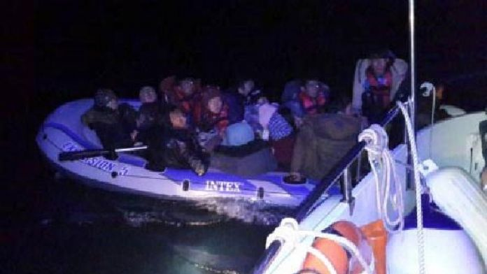 Sahil Güvenlik mültecileri kurtardı