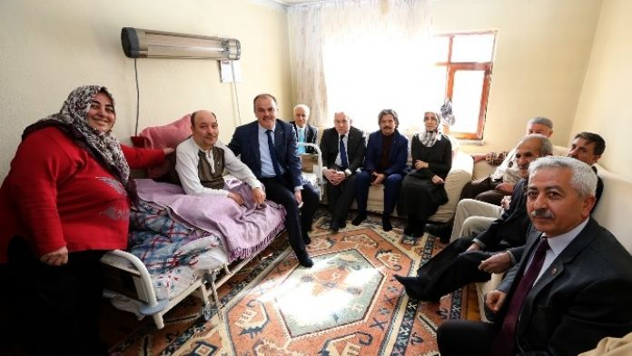 Başkan Gürlesin'den MS Hastasına Özel Yatak