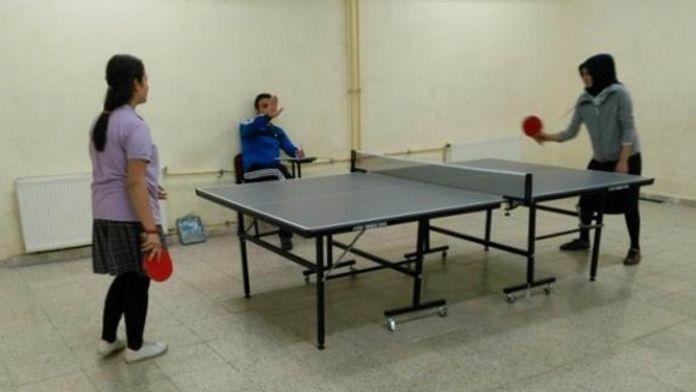 Koyulhisar'da Okullar Arası Masa Tenisi Turnuvası Düzenlendi