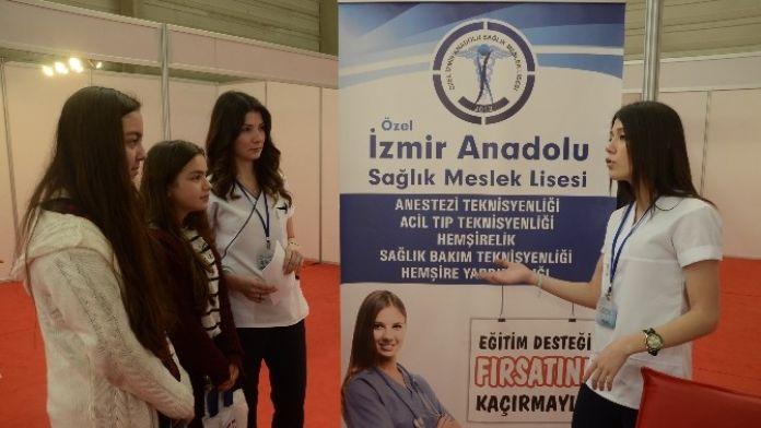 İzmir'de Liseliler Okulunu Seçti