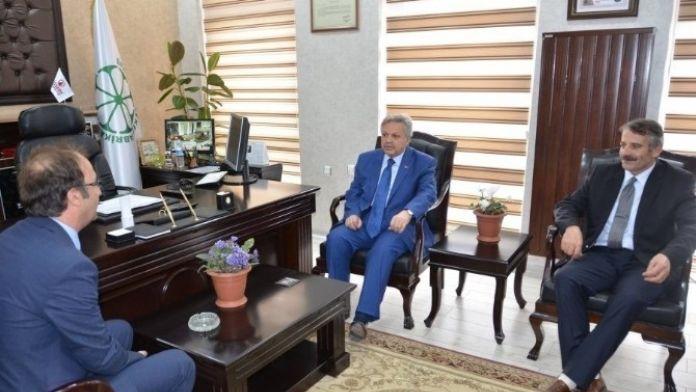 Vali Kahraman, Erzincan Şeker Fabrikası'nı Ziyaret Etti