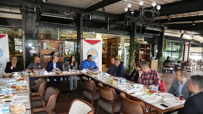 Pekar: 'Adana'da Spora Katkı Koyacak Projelerimiz Var'