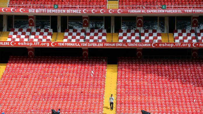 Antalya Stadı milli maça hazır