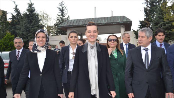 AK Parti'den Darülaceze'ye ziyaret