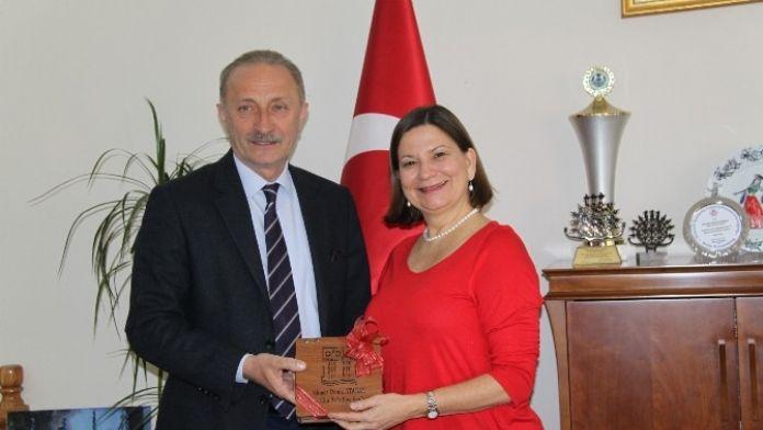 Tatilini Didim'de Geçiren Meksika Büyükelçisinden Belediyeye Ziyaret