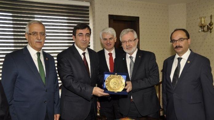 Kalkınma Bakanı'ndan Uludağ Üniversitesi'ne Tam Destek