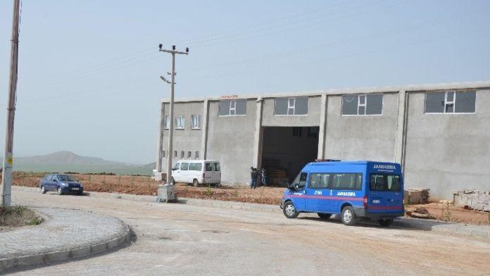 Fabrika Yetkilileri İle Elektrik Dağıtım Firması Ekipleri Arasında Tartışma Çıktı
