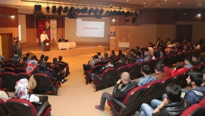 Iğdır'da 'Sosyal Medya Okur Yazarlığı' Eğitimi