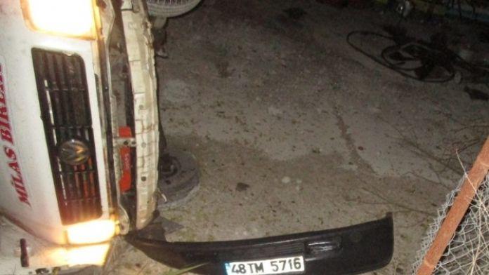 Milas'ta Minibüs Devrildi: 4 Yaralı