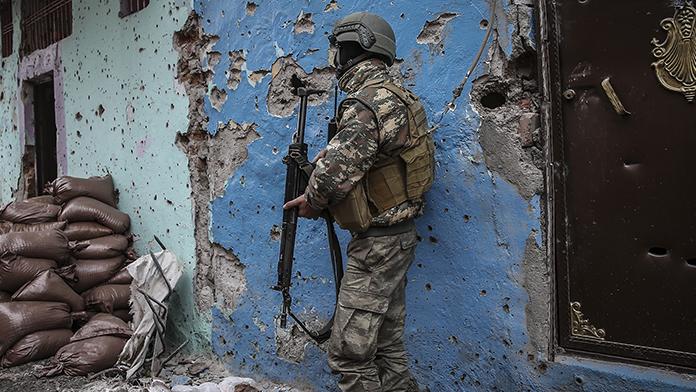 Yüksekova'da operasyonlara hız verildi
