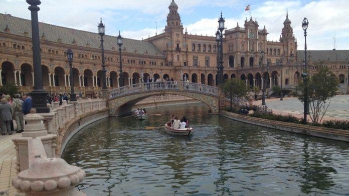 İspanya turistlerden vergi alacak