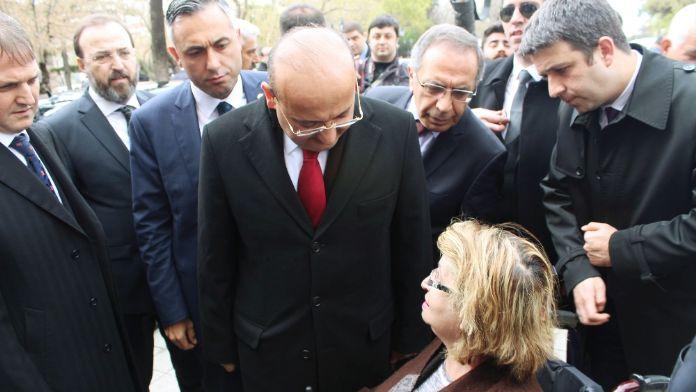 'Başbakan Davutoğlu'na teşekkürlerimi iletin'