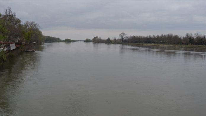 Sağanaklar Tunca ve Meriç nehirlerinin debilerini artırdı