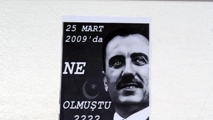 Muhsin Yazıcıoğlu için gizemli afişler