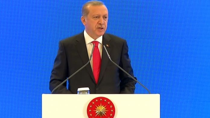 Erdoğan: Eğitim sistemini yeniden ele almalıyız