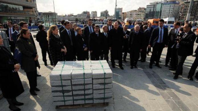 fotoğraflar //Cumhurbaşkanı Taksim'de çevre düzenleme çalışmalarını inceledi